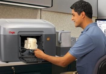 Mojo 3D desktop printer for small business.